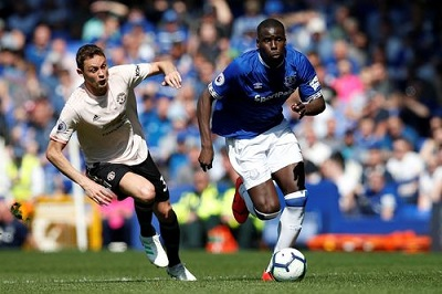 Man United outclassed by Everton